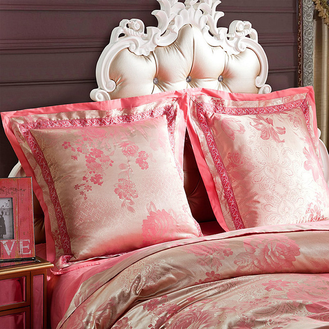 2016 Home textile 4 pcs Wedding bedding Luxury silk Jacquard Pink Floral bedding set quilt cover